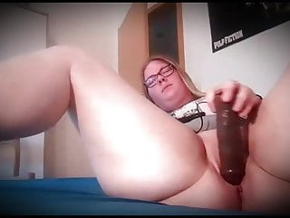Chubby bitch is masturbating in commune with doors open