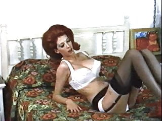 FOXY LADY - vintage 60s huge tits striptease