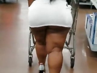 Bad Bubble Bitch caught flashing thru the store