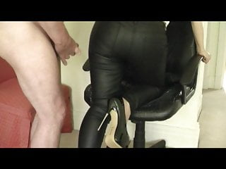 Married lady in tight leather trousers gets spunked on