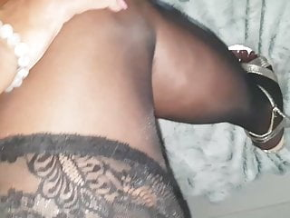 Mature lady love my cum on her nylon toes and shoes