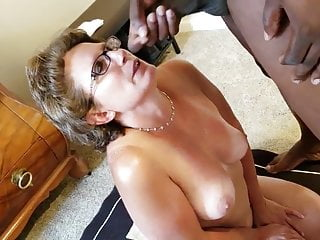 Granny Invites Black Man ti her House to Cum on her Face.