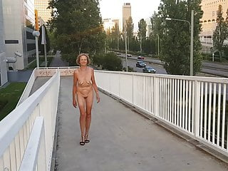 Nude in Frankfurt