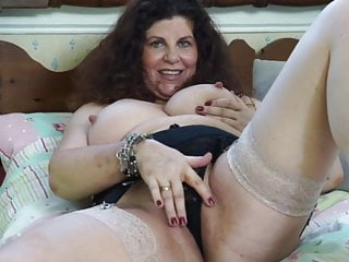 Insatiable UK Mature Milf Is Gagging For It.