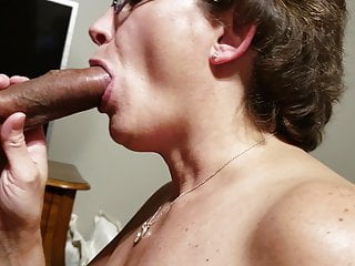 Lexingtonwife Sucking a Big Black Cock