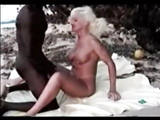 jamaica beach - blonde tourist has a super fuck