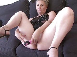 Hot Granny Nicole Having Good Time With Black Dick