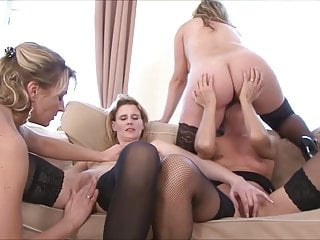 Janet Darling - Single Mommiess Want Sex