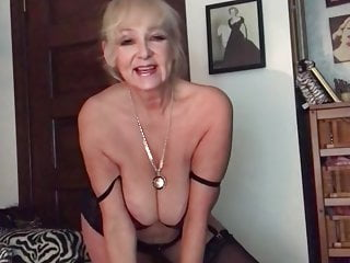 Hot Youtuber Brenda Lee - Showing full tits and pussyslip