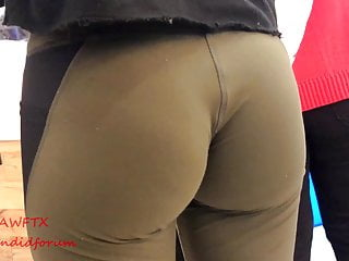 Pawg ebony wedgie booty eatin up spandex (repost)