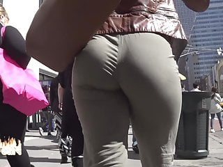 Thick round juicy ass bubble butt eatin up pants(repost)