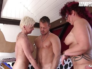 Reife Swinger - German Threesome Sex with 2 Amateur MILFs