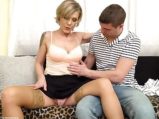 Mature Irenka is having casual sex with a young guy