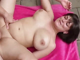 German Wife Gets her PUSSY FILLED UP WITH CUM