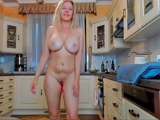 Busty blonde mature with nice body squirt