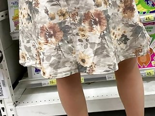 Upskirt in bookmall 5