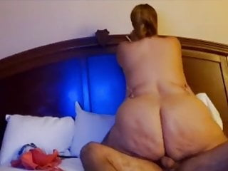 Milf with a huge ass fucked