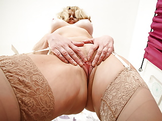British gilf Ila Jane shows you her fuckable holes