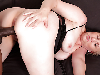 Granny Vs BBC - Older Blonde Nicole Loves Getting Blacked