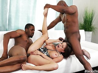 Housewife in BBC Threesome