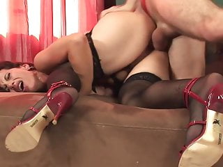 Hot mature in stockings & heels fucks great (TOP MATURE)