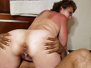 Thick Grandma Takes Young Hung Black Nut Juice Creampie deeply